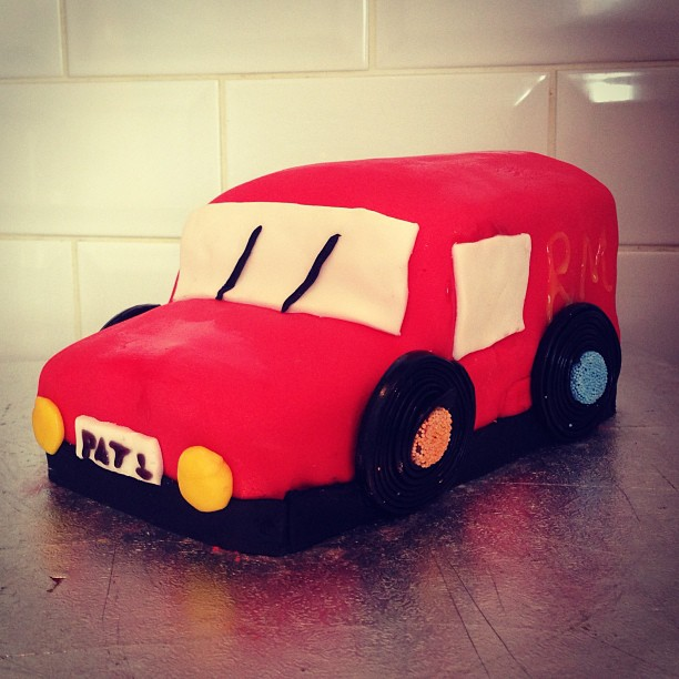 How to make a Postman Pat's van birthday cake